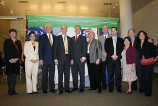 The U.S. Commercial Service Green Build Road Show crew with San Jose Mayor Chuck Reed.