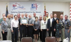 Secretary Bryson presents a Certificate of Appreciation for Achievement in Trade to Hawaii Pacific Export Council (HPEC) Chairman Steve Craven commending HPEC's role in developing export opportunities for Hawaii-based companies.