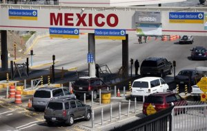 Cars crossing the U.S.-Mexico border.  The U.S. and Mexico had half a billion dollars in two-way trade in goods and services in 2011, and more than 6 million jobs in the United States depend on trade with Mexico. (Photo Commerce)