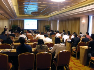 "U.S. building materials industry representatives share the latest ""green building"" products and technologies with Chinese builders, architects and designers at a technical seminar earlier in 2012."