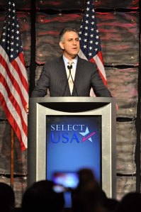 Francisco Sánchez speaking at the SelectUSA 2013 Investment Summit